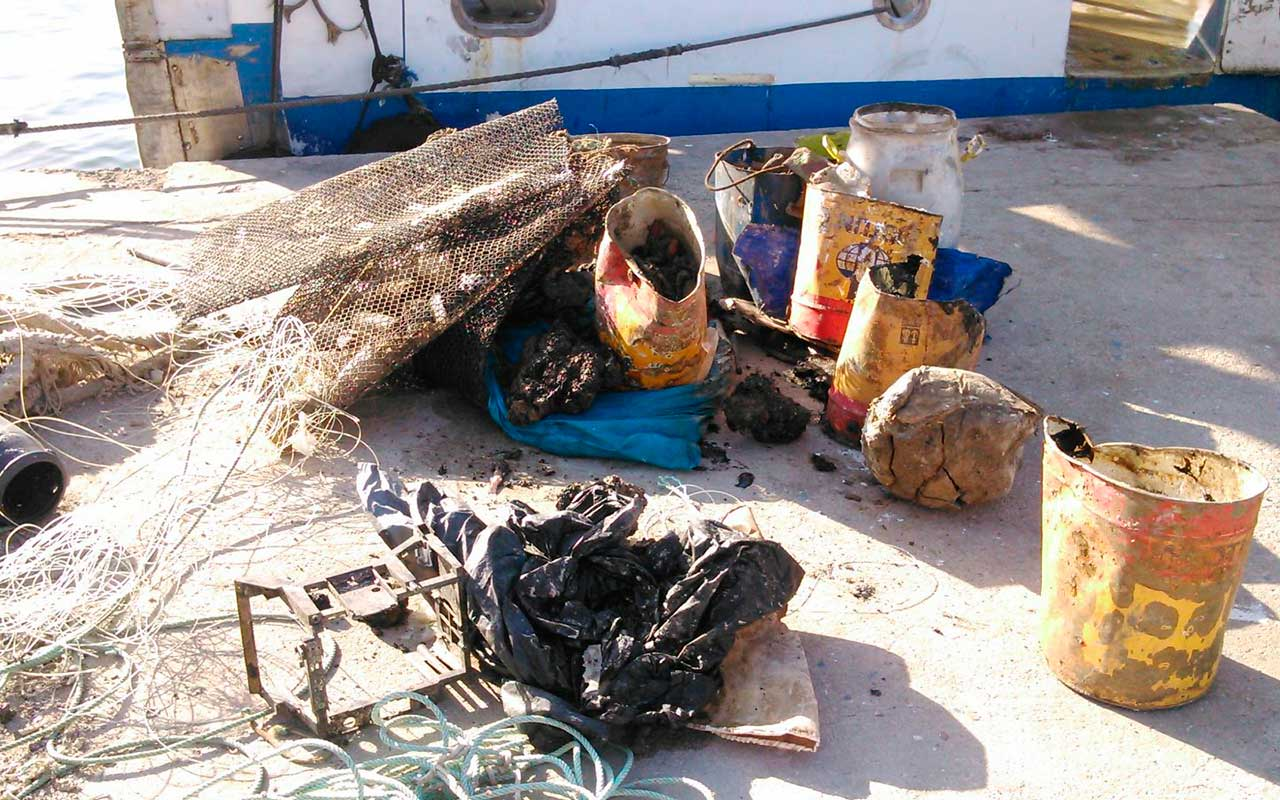 Rubbish fishing trip the leader newspaper for Fish and trip
