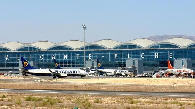 Airlines offer 8,000 flights and 1.4 million seats in El Altet despite restrictions