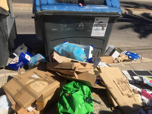 Accumulation of rubbish is a regular sight on the Orihuela Costa