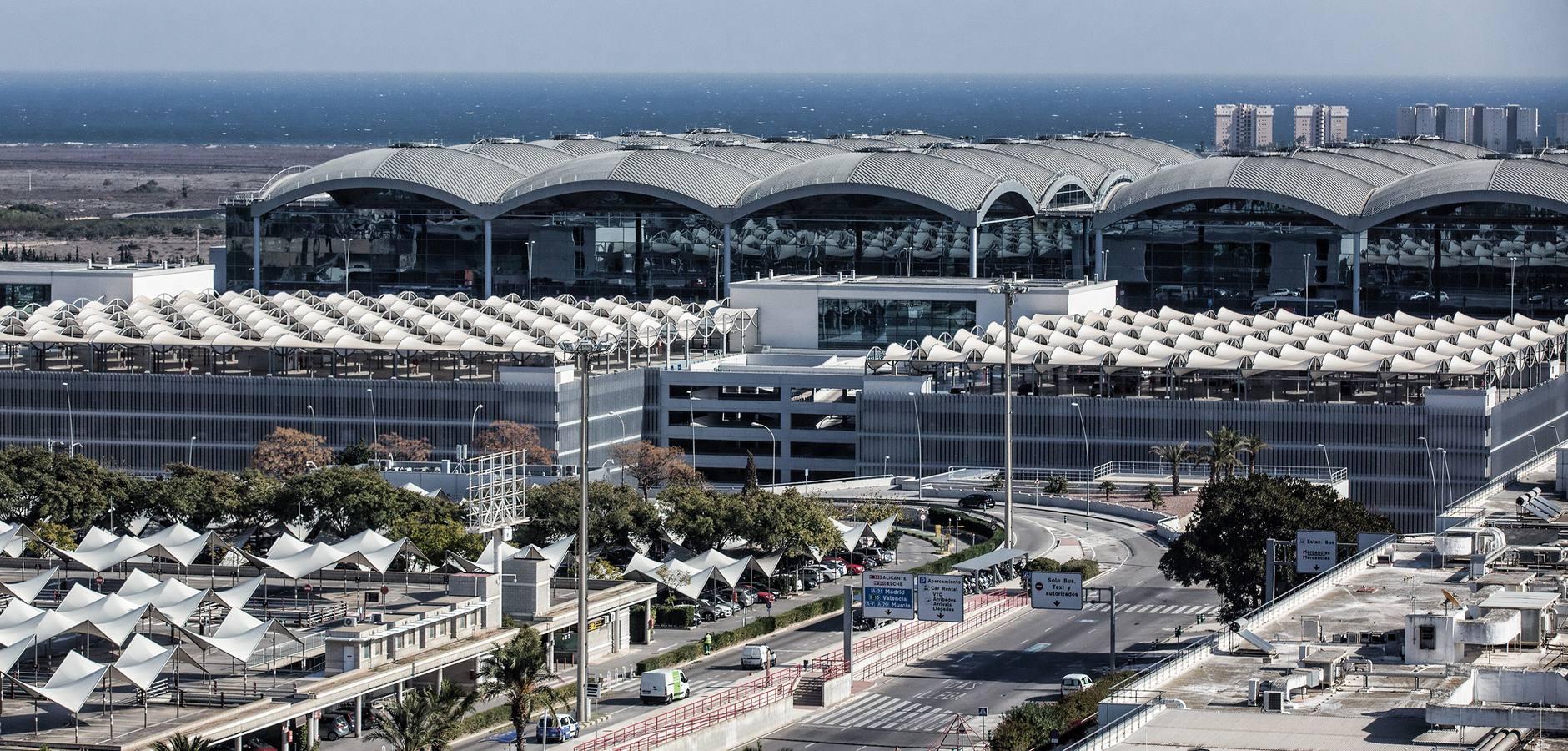 Aeroporto Alicante : Record figures for alicante airport the leader newspaper