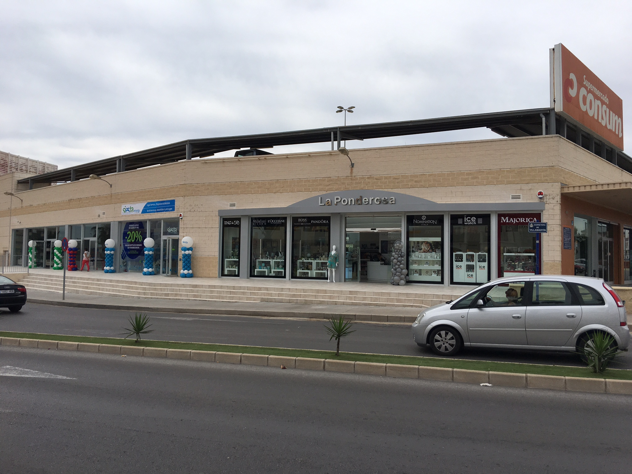 New Commercial Centre Opened At Consum La Zenia The Leader  # Muebles Ponderosa