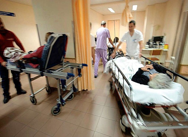 Torrevieja Hospital thought to have 100 coronaviurus patients