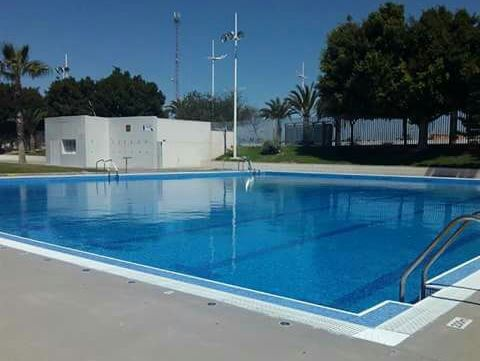 Torrevieja S Outdoor Municipal Pool Reopens The Leader Newspaper