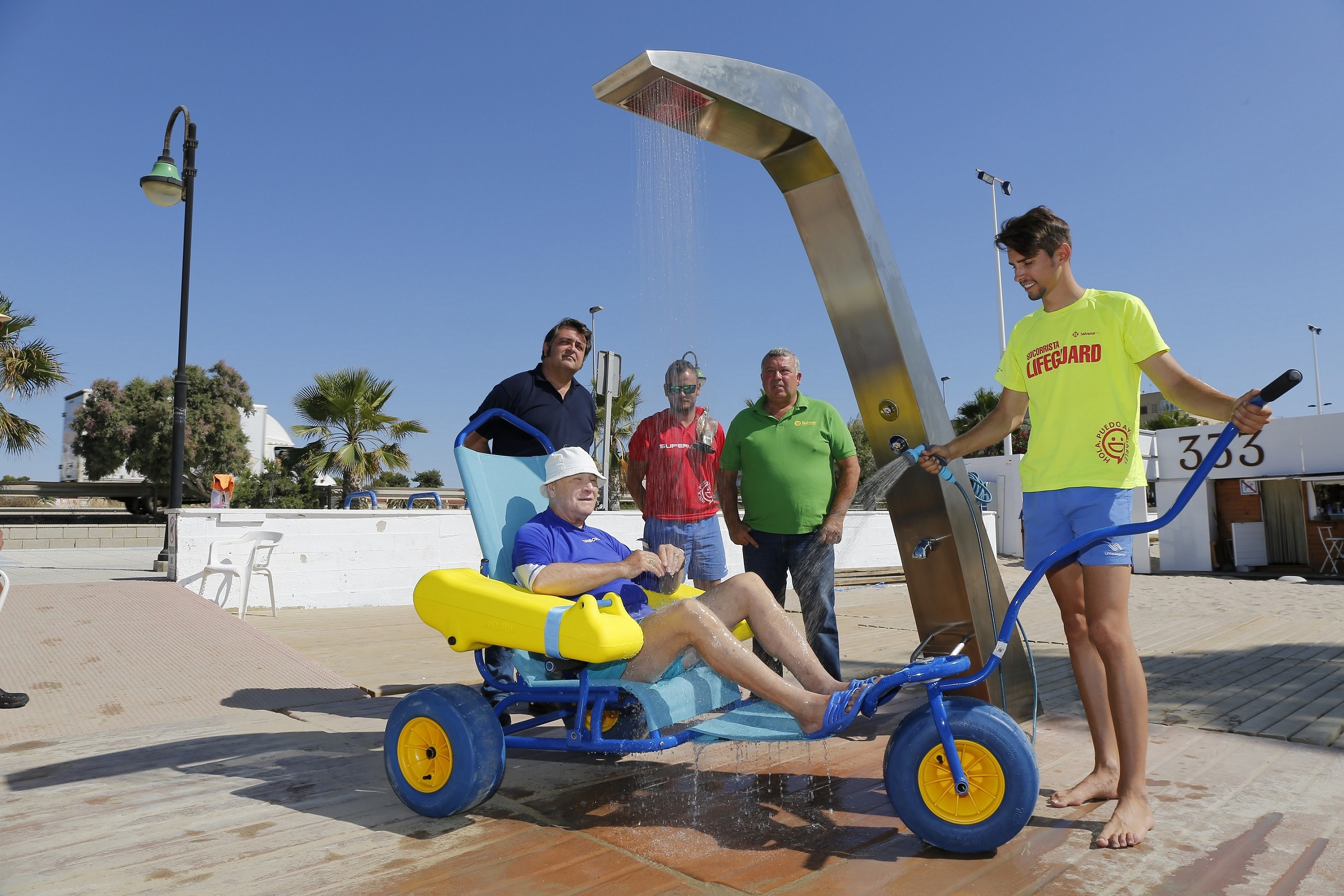 BEACH SHOWER UNIT FOR PEOPLE WITH REDUCED MOBILITY - The Leader ...