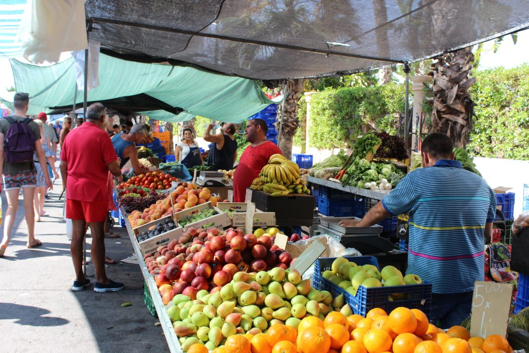 Orihuela postpones the re-opening of street markets