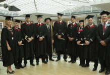 easyJet pilots first to graduate with BSc (Hons) in Professional Aviation Pilot Practice Degree