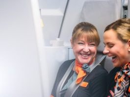 easyJet to recruit more than 1200 new cabin crew