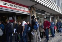 UNEMPLOYMENT IN SPAIN FALLS TO 17.22% IN SECOND QUARTER