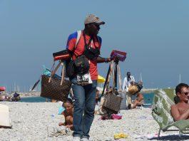 Prison for illegal Benidorm beach brawlers
