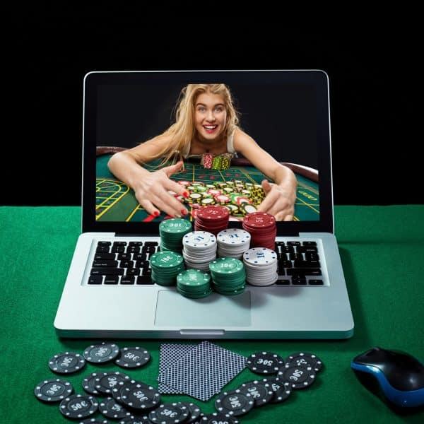 Choosing Land Based Casinos vs. Online Casinos (Source: AsiaLiveTech)