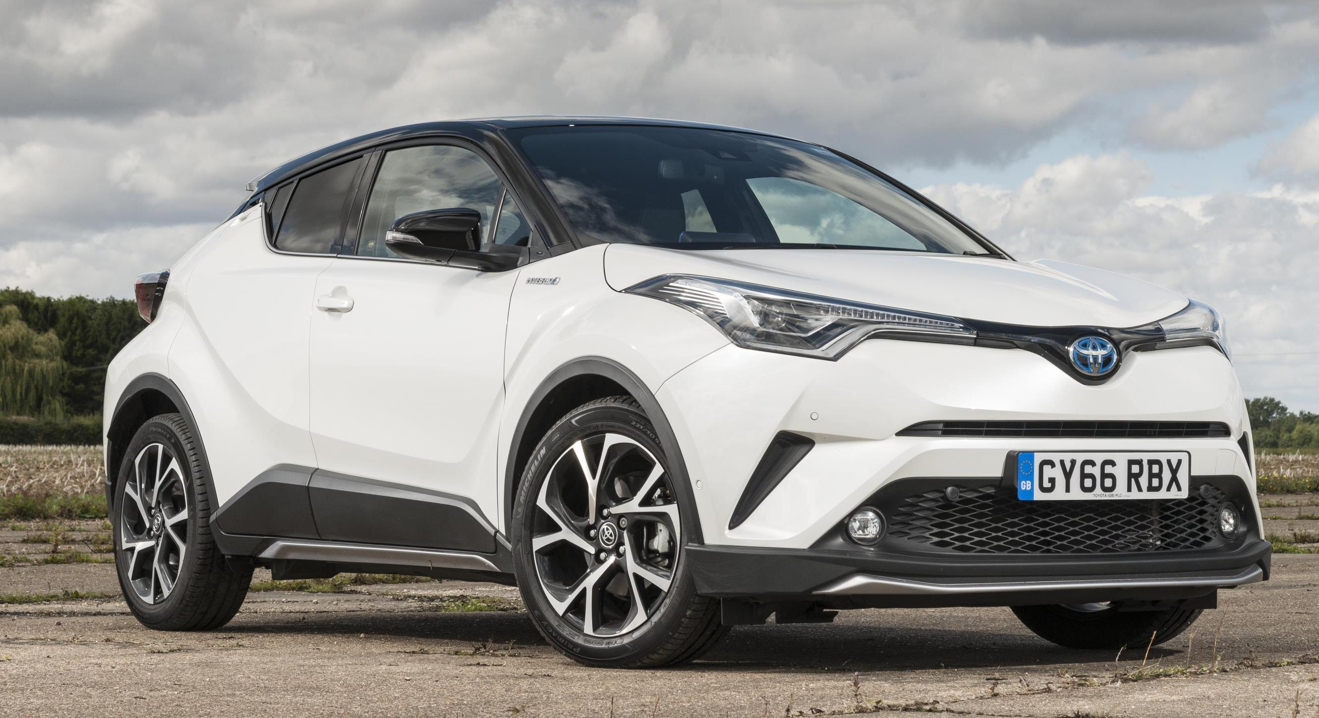New Toyota Crossover 2017 >> Parkers.co.uk Awards Toyota C-Hr New Car of The Year 2018 - The Leader Newspaper