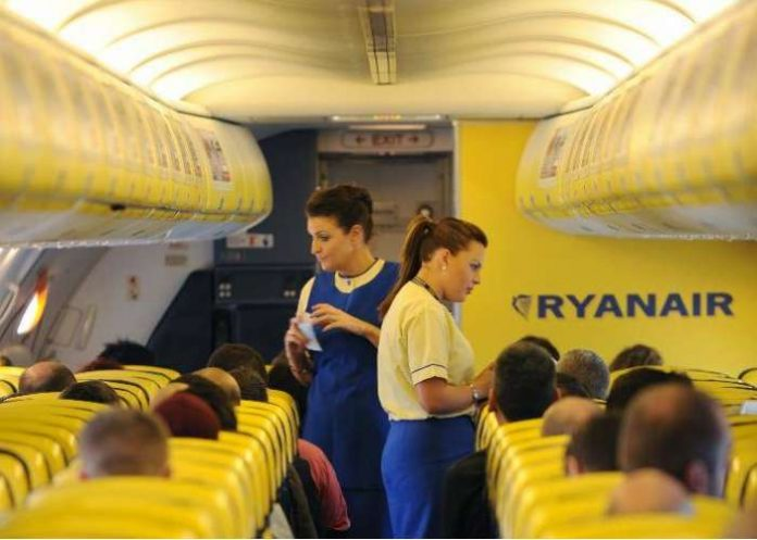 Ryanair admits to allocating middle seats first and holding window and aisle seats free