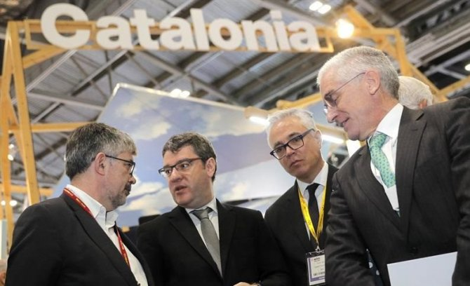 The Minister for Energy, Tourism and Digital Agenda, Álvaro Nadal, visited the international tourism fair World Travel Market (WTM) being held in London