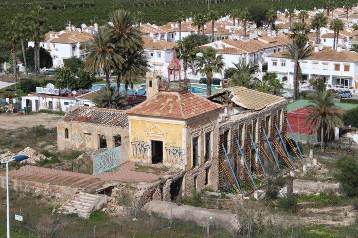 Torrevieja appropriates the Casa y Torre de Los Balcones