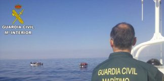 Guardia Civil intercept 21 immigrants off Torrevieja