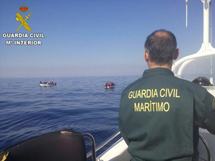 Guardia Civil intercept 21 immigrants off Torrevieja