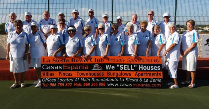 Our Winter League team wore their new shirts sponsored by Casas Espania