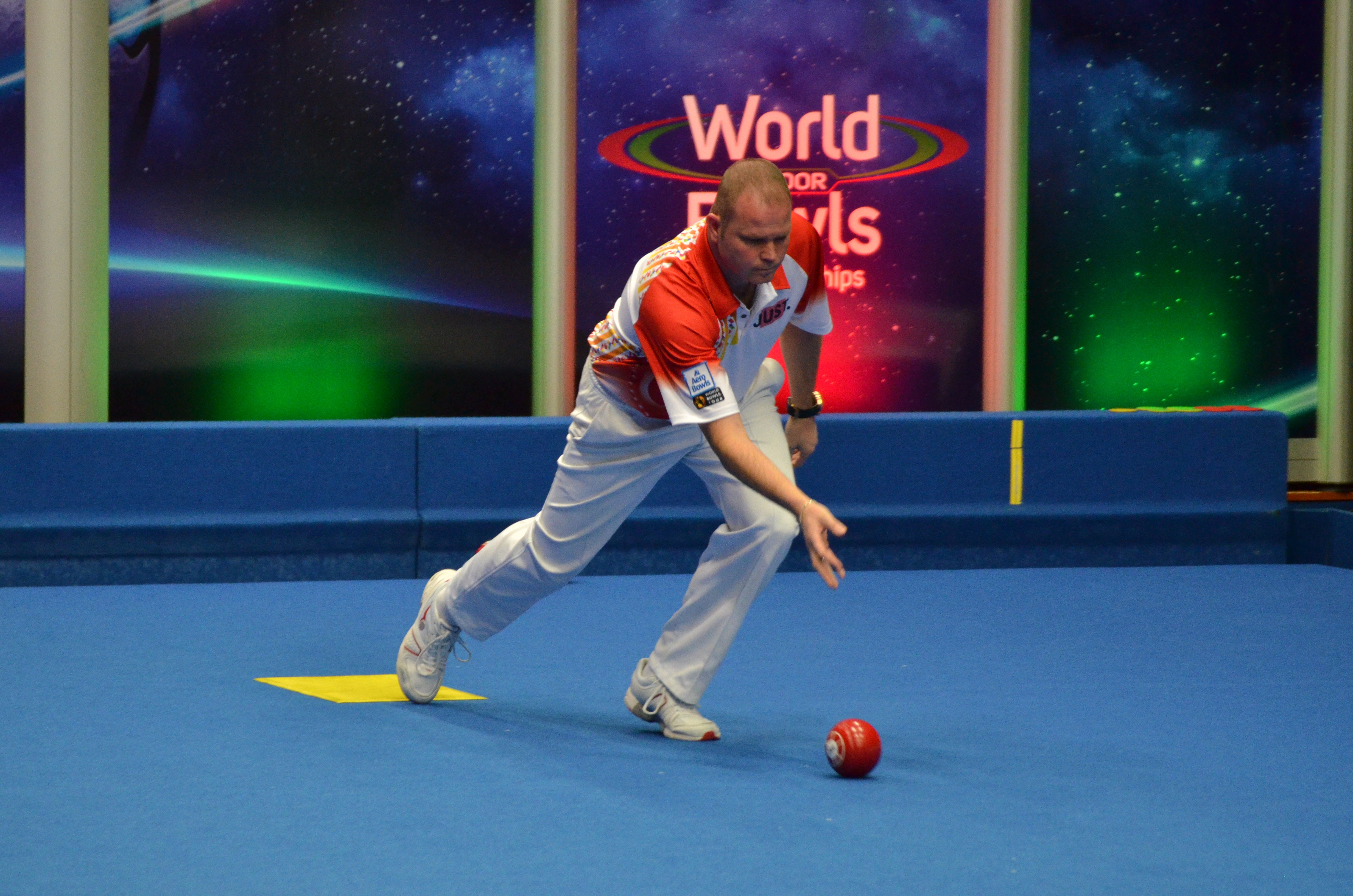 WATCH: The Secret to Control Weight Delivering Lawn Bowls