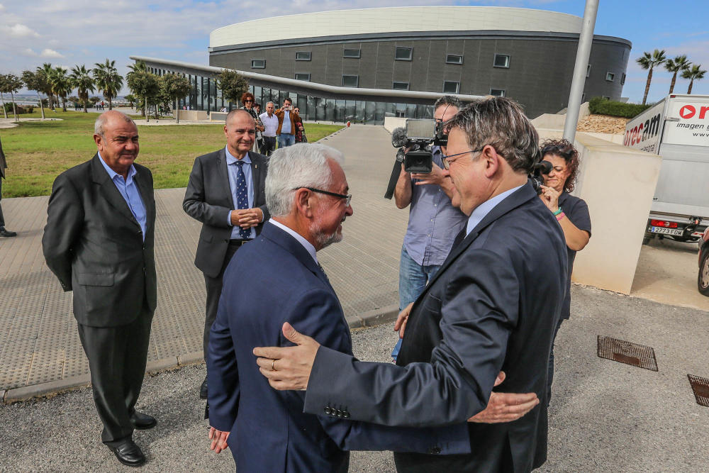 The mayor with Puig