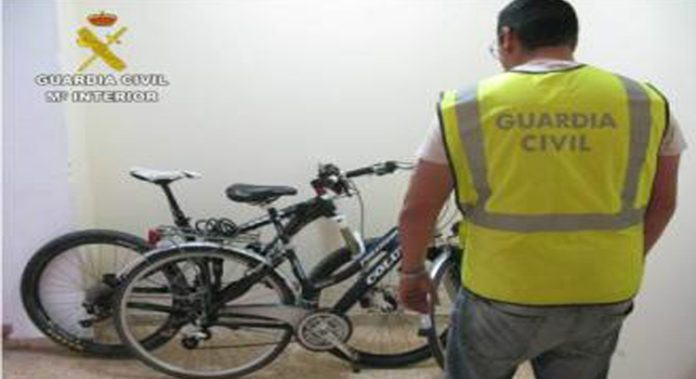 Nine teenagers arrested on Orihuela Costa for stealing bikes