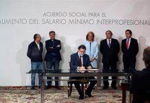 Rajoy signs agreement to raise national minimum wage