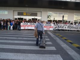 A demonstration organised by the Platform and the unions against the closure of San Javier, which is now imminent.
