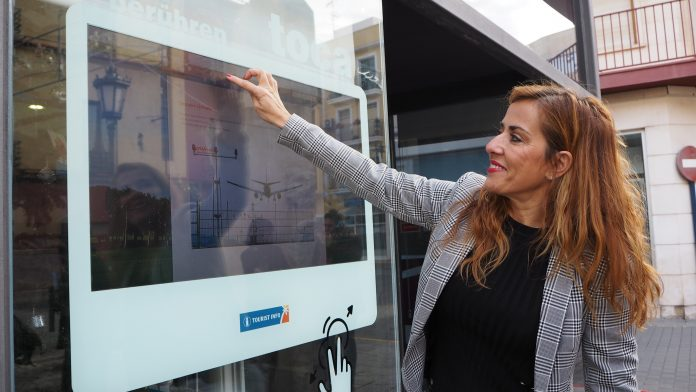 Two touch screens launched to expand Tourism services in Orihuela Costa