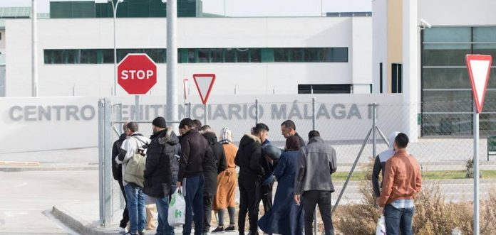 Immigrant found hanged in refugee detention centre