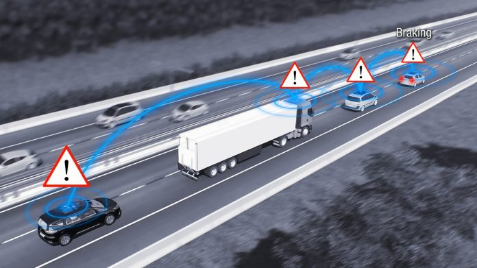 Renault Pilots Infrastructure for Tomorrow's Autonomous, Connected Cars with fleet of 1000 Scoop-Enabled Méganes