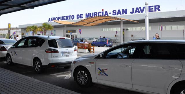 Mayor speaks out on behalf of San Javier Airport taxis