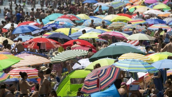 Spain narrowly misses out on pole position in battle for global tourism