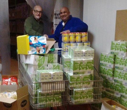 Local Freemason's from Caledonia Lodge donate food.
