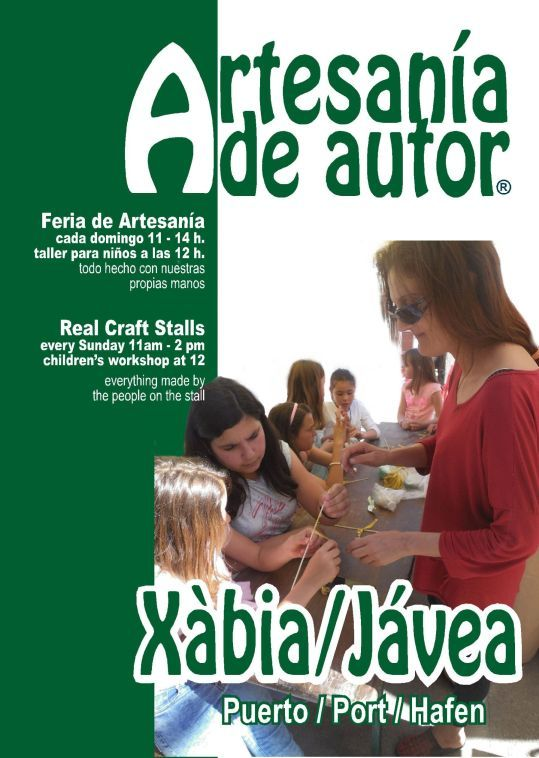 Workshops in the craft fair of Jávea Port are getting to be very popular
