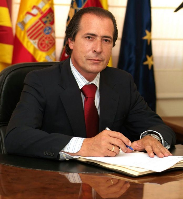 Bribery investigation surrounds Former Santa Pola mayor.