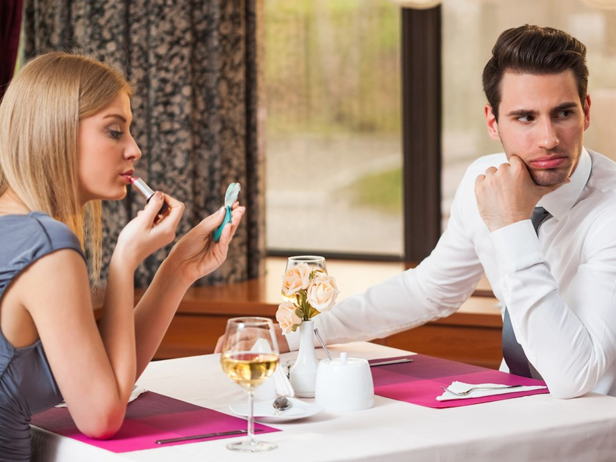 10 Ways to Spoil Your First Date