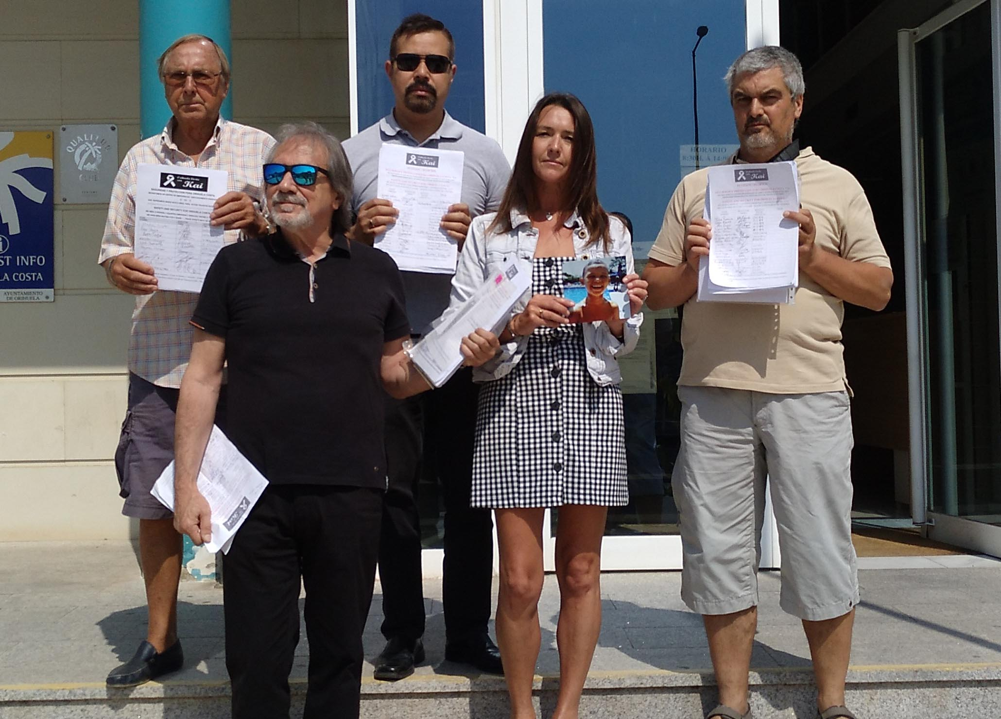 Petition inspired by Kai handed in to Town Hall