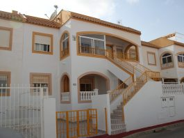 Cheap Spanish property for sale - Two bedroom, one bathroom South-facing ground floor apartment in gated community