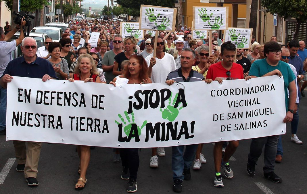 Mining company withdraws following pressure from residents