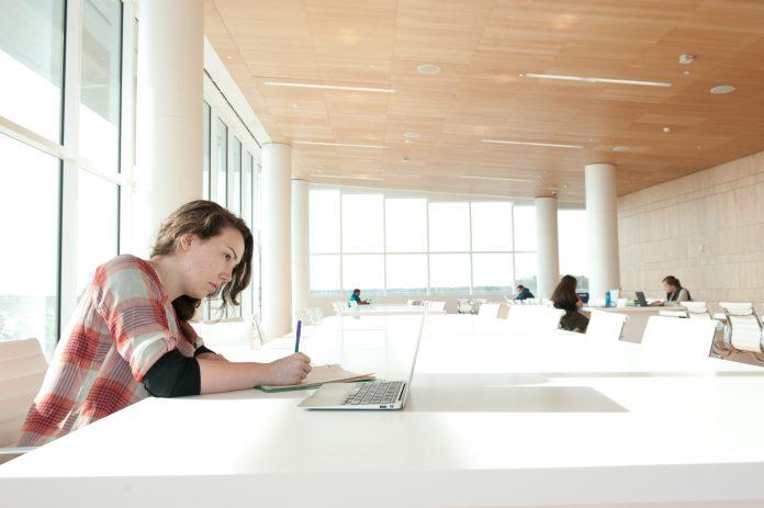 Criteria for Choosing the Best Custom Writing Service