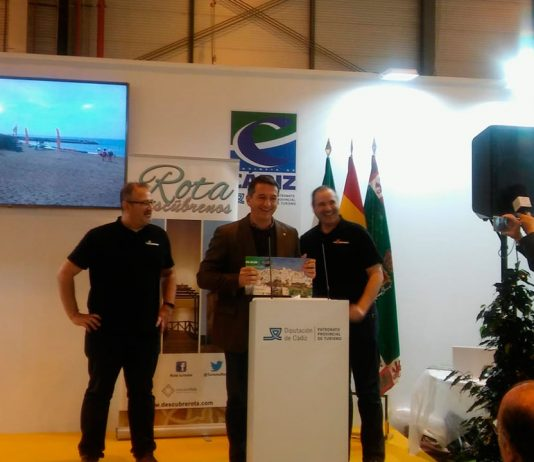"Mojácar Receives ""Top Destination"" Award At Fitur"