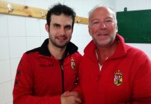 Carlos with reporter Andrew Atkinson after CD Montesinos' game against Bahia Santa Pola last weekend.