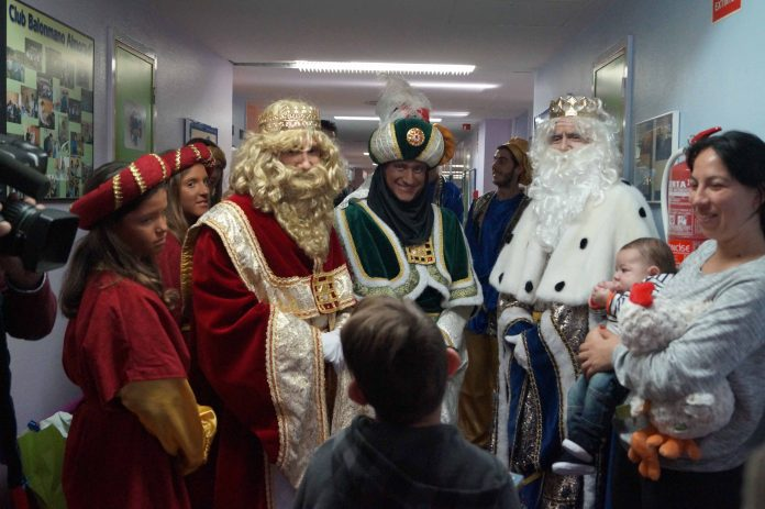 The 3 Kings wil make their traditional visit to the Vega Baja Hospital, where they will deliver toys to the children