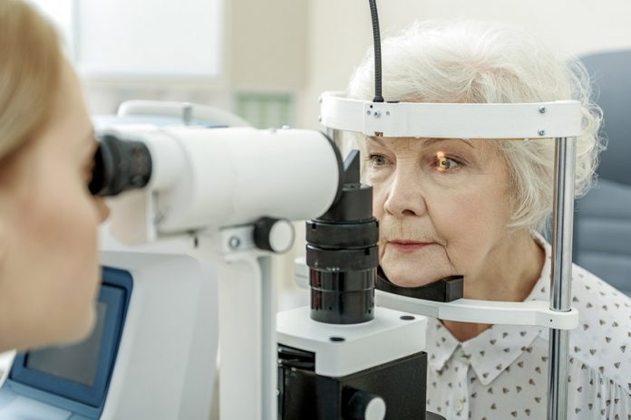 The test to detect glaucoma consists of a tonometry to determine the intraocular pressure (IOP)