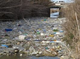 A river of plastic in Guardamar