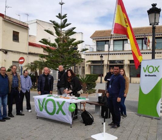 Vox presents nominations for local elections