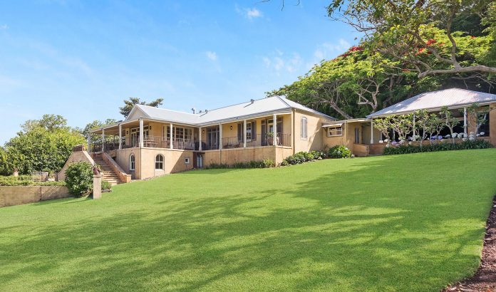 """Olivia Newton-John's Spectacular Australia Farm"""