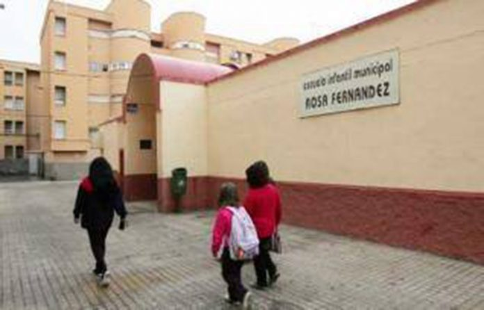 Over a hundred people treated in Elche for meningitis