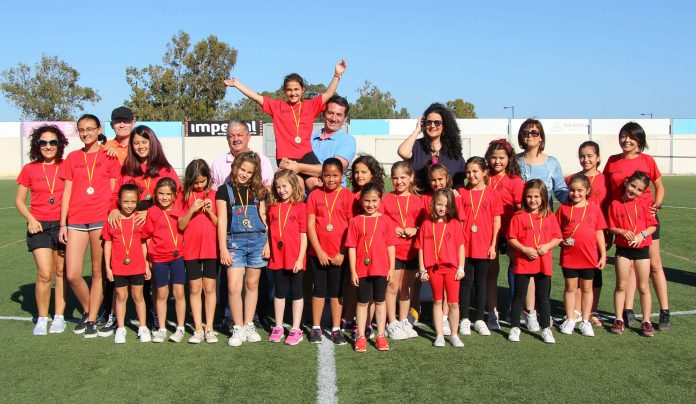 Mojácar Council presents medals to all their sports school students