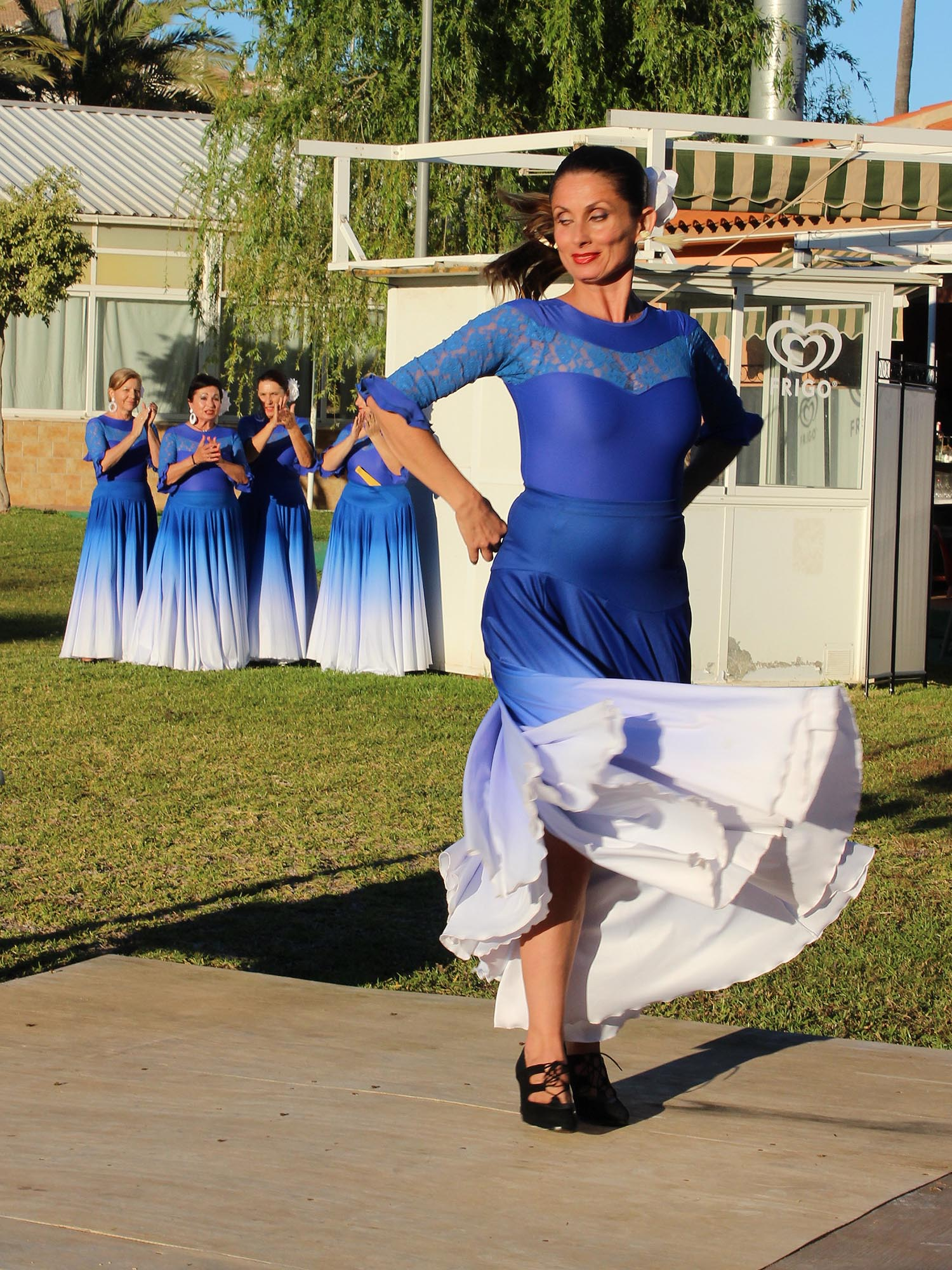 Francisca Samper and her flamenco dancers in the background