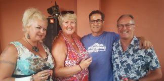 Alison Jolly, Helen Atkinson, Los Montesinos Mayor José Butron and Graeme Jolly.